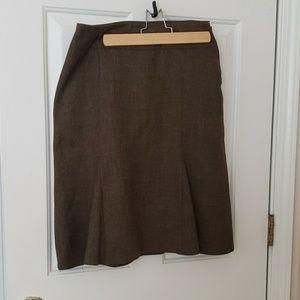 Classic high weighted skirt